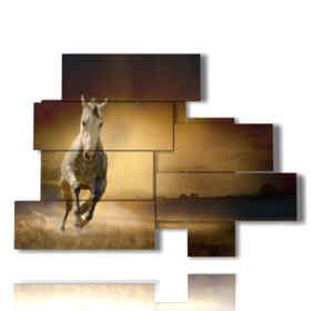 Image moderne de la tableau à cheval dans la découverte