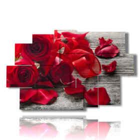 tableaux de roses rouges et de pétales couchés